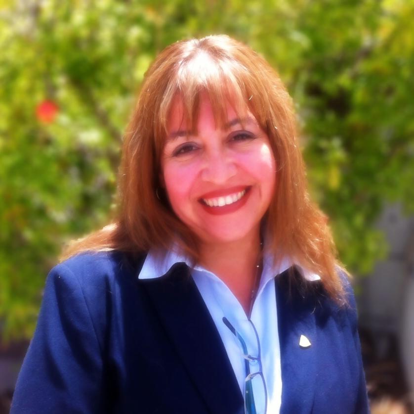 Dr. Rosa Ma. Retamales